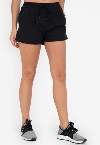 ZALORA ACTIVE black Front Pleated Shorts 920EAAA0334D36GS_1