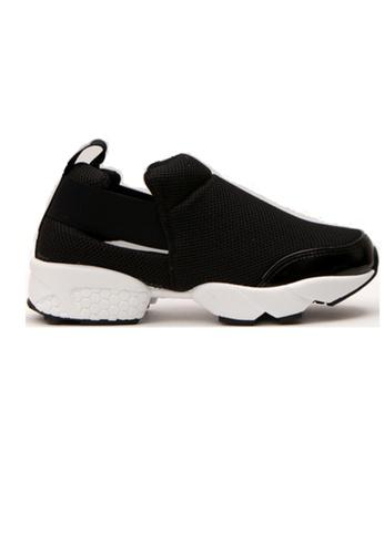 Crystal Korea Fashion 黑色 韓國製透氣厚底防滑輕便鞋 3CB27SH176FC9EGS_1