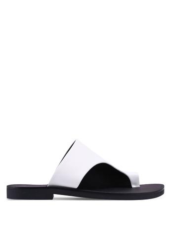 TOPSHOP white Toe Post Sandals 9798ASHAE6550FGS_1