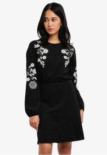 TOPSHOP black Embroidered Balloon Sleeve Skater Dress BD8A7AA1E07166GS_1