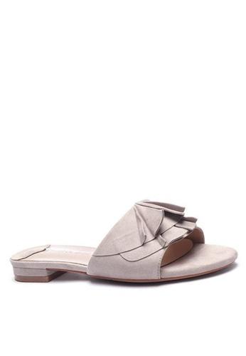 Twenty Eight Shoes Ruffled Flat Sandals 6848-1 42E5BSH850645CGS_1