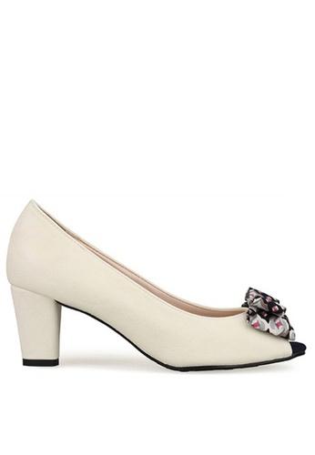 SPUR white Vintage Rosette Heels SP642SH21LYGHK_1
