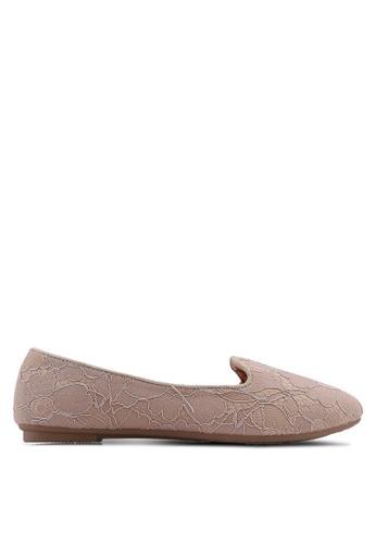 Noveni beige Textured Round Toe Flats 98807SH7538B19GS_1