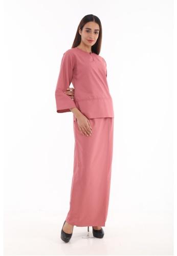 Baju Kurung Kedah Qaseh from Amar Amran in Pink