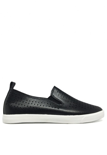 Twenty Eight Shoes 黑色 透氣柔軟輕便鞋 16137 TW446SH14ZXDHK_1