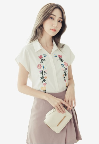 Eyescream white Floral Embroidery Blouse 67F72AAB5E9A3FGS_1
