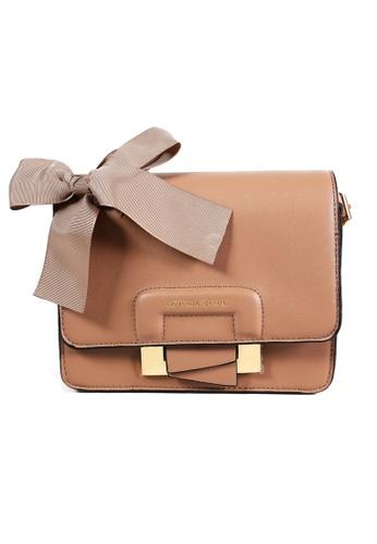 Victoria Sloane beige Abbey Handbag 5A912AC1E01C32GS_1