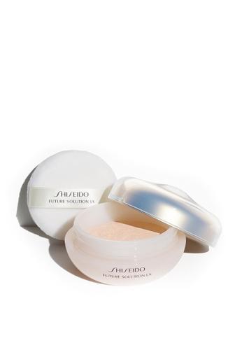 Shiseido beige Future Solution Total Radiance Loose Powder E, 10g D61D6BEDA7754FGS_1