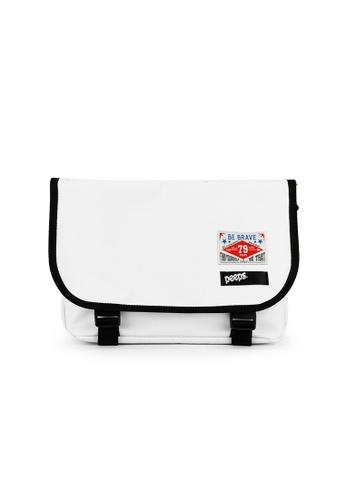 Peeps white E2 Mini Messenger Bag 134A6AC1857171GS_1