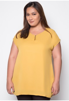 Plus Size Top with Zipper Accent