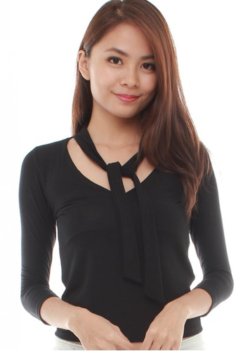 LUXORA black Ribbon Collar Black Top LU926AA13POGSG_1