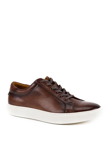 Twenty Eight Shoes brown Vintage Leather Sneaker 0072C AC300SHE9E1BACGS_1