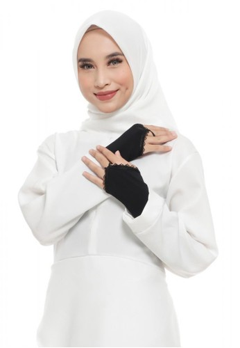 First Hijab black Ringplain Handsock In Black (Bundling Package) 5FFA4AABCF8FE0GS_1