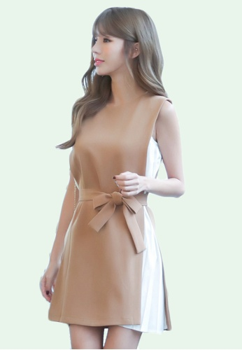 Shopsfashion white and beige Layered Sleeveless Fit and Flare Dress SH656AA0GQ0KSG_1