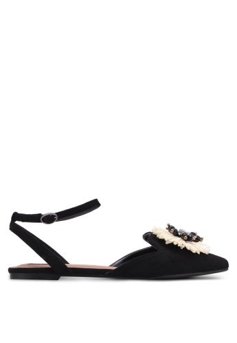 ZALORA black Embellished Flower Sandals 24F31SH5D6BF33GS_1