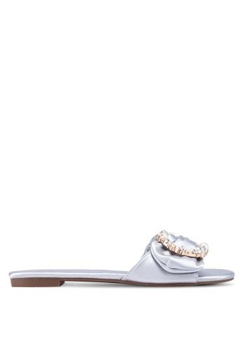 Nose 銀色 綢緞珍珠鑽飾拖鞋 47F3DSH216C293GS_1