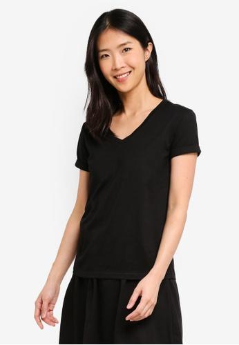 ZALORA BASICS black Basic Rolled Sleeves V Neck T-Shirt E650FAA2AD8529GS_1