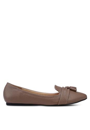 ZALORA 褐色 荔枝皮流蘇樂福鞋 6C60ESHD0A8F4BGS_1