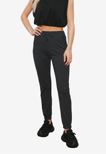 Trendyol grey Basic Jogger Pants BB6E3AAF2925AAGS_1