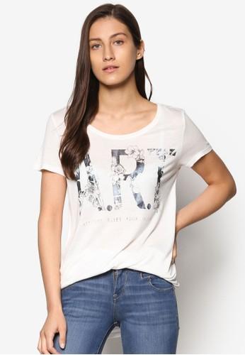 花卉文字設計Tesprit台灣 恤, 服飾, 上衣