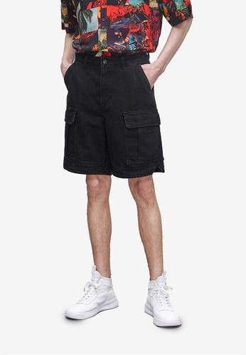 URBAN REVIVO black Pocket Denim Shorts 4BF65AA0DC40CAGS_1