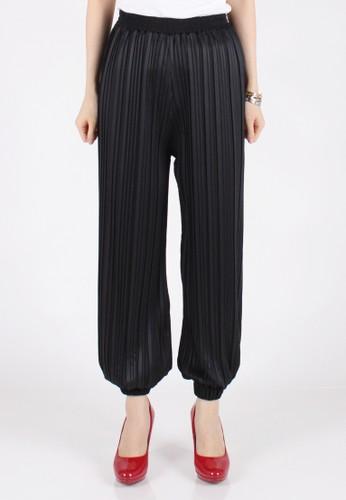 Meitavi's Plisket Jogger Pants - Black