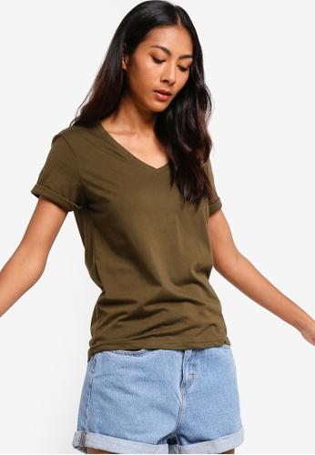 ZALORA BASICS green Basic Rolled Sleeves V Neck T-Shirt 6968DAAE93E3ECGS_1