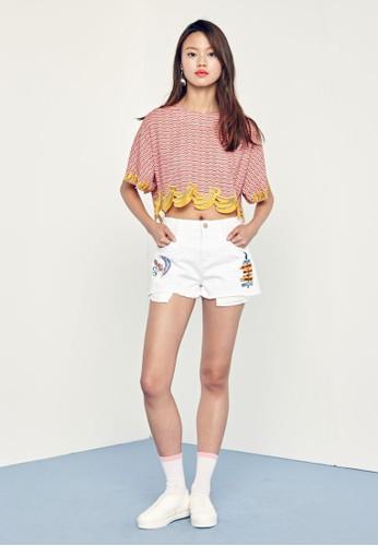 Play 刺繡圖案丹寧短褲、 服飾、 短褲jucyjudyPlay刺繡圖案丹寧短褲最新折價