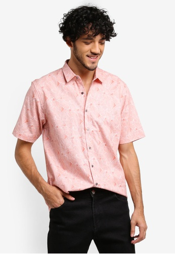 ZALORA orange All Over Leaves Print Relaxed Fit Short Sleeve Shirt F114EAA8ECB051GS_1