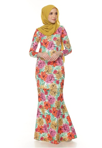 SITI KURUNG from Gaffronasir in white and red and orange and yellow and green_1