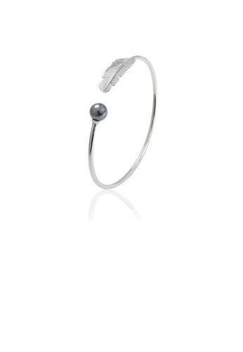 Glamorousky black 925 Sterling Silver Fashion Simple Feather Black Freshwater Pearl Bangle D6EC6AC69E426FGS_1