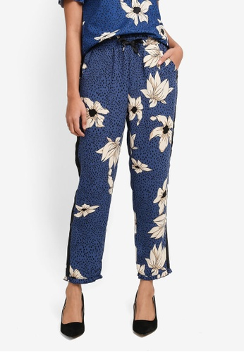 ONLY navy ONLY ONE Madison Ruffle Aop Trousers 76523AA5B7189DGS_1