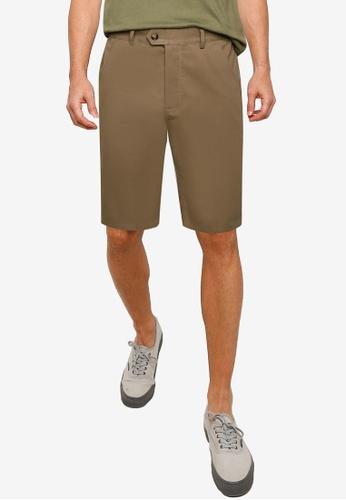 ZALORA BASICS brown Tailored Casual Shorts 44C4DAA5198110GS_1