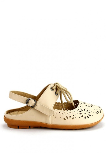 Cardam's Lifestyle beige Qiana Flat Sandals CA993SH16ANVPH_1