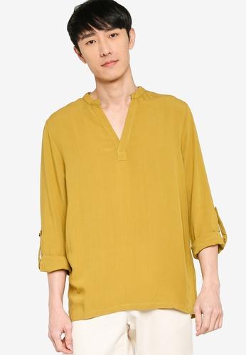 ZALORA BASICS yellow V Neck Linen Blend Shirt E000FAA5D18A80GS_1
