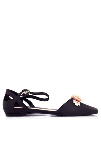 Twenty Eight Shoes black 3D Flora Ankle Strap Jelly Flats VR5132 B8BAFSHAB598C3GS_1