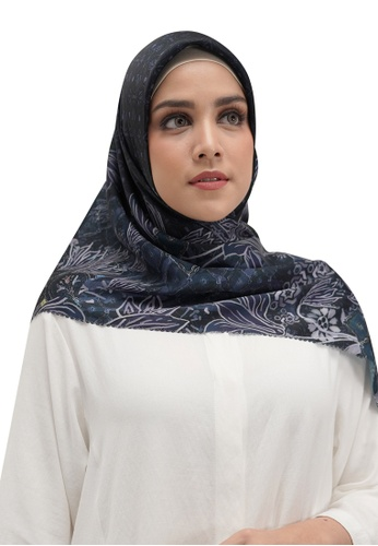Buttonscarves navy Buttonscarves Maharani Satin Square Navy 542FEAA980E963GS_1