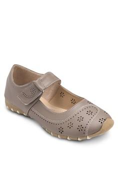 舒適雕花走步鞋