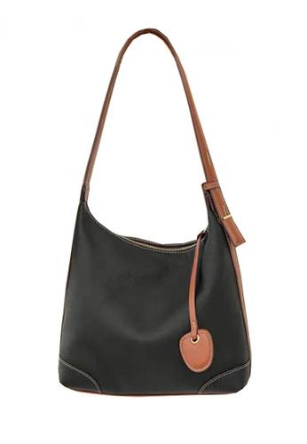 Twenty Eight Shoes black VANSA Simple Leather Crossbody Bag VBW-Hb8905 D6BB0AC9AF8E38GS_1