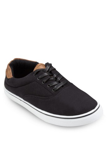 Camden 繫帶休閒鞋、 鞋、 鞋FactorieCamden繫帶休閒鞋最新折價