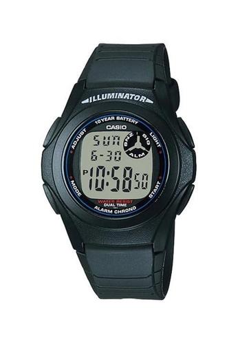 Casio black Casio Round Sports Watch (F-200W-1A) AAEFFAC25BDD36GS_1
