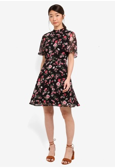 40% OFF WAREHOUSE Blossom Garden Dress HK$ 670.00 NOW HK$ 402.00 Available  in several sizes