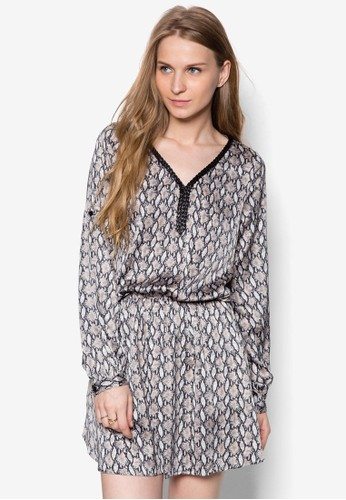 印花長袖zalora 衣服尺寸連身裙, 服飾, 洋裝