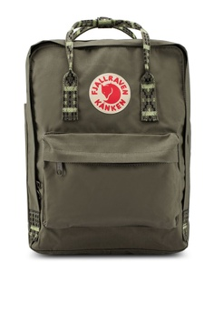 77e4b66b03 Fjallraven Kanken green Kanken Backpack DE829ACF7BACAAGS 1