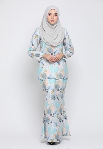 Kurung Moden Eryna - Light Grey from Nur Shila in Grey