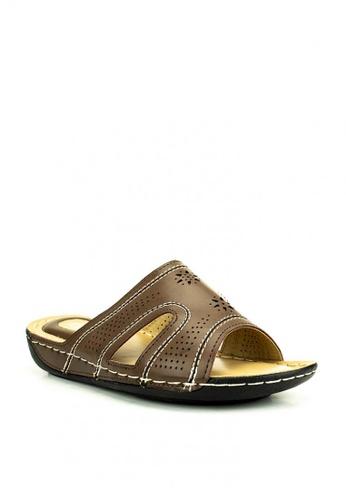 Cardam's Lifestyle brown Bea Sandals 01869SHD457EBDGS_1