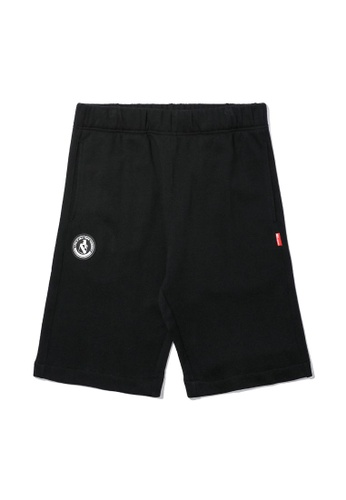 izzue black Emblem badge sweat shorts 33DC3AA191E1E8GS_1