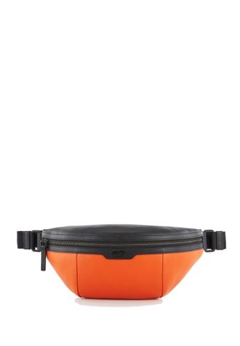 Braun Buffel orange Missis Medium Waist Pouch in Tangerine 06AA9AC6724AB7GS_1