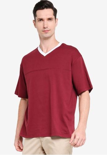 ZALORA BASICS 紅色 Oversized V Neck Contrast T-shirt 6BF4DAA42838FCGS_1