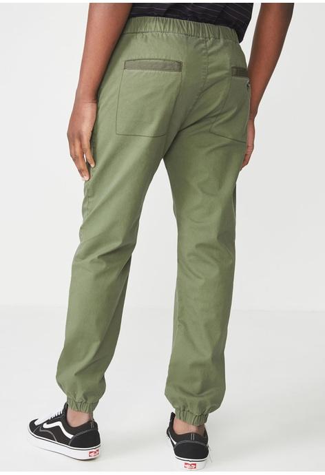 d2d51a16861 Men's Pants & Joggers Available at ZALORA Philippines